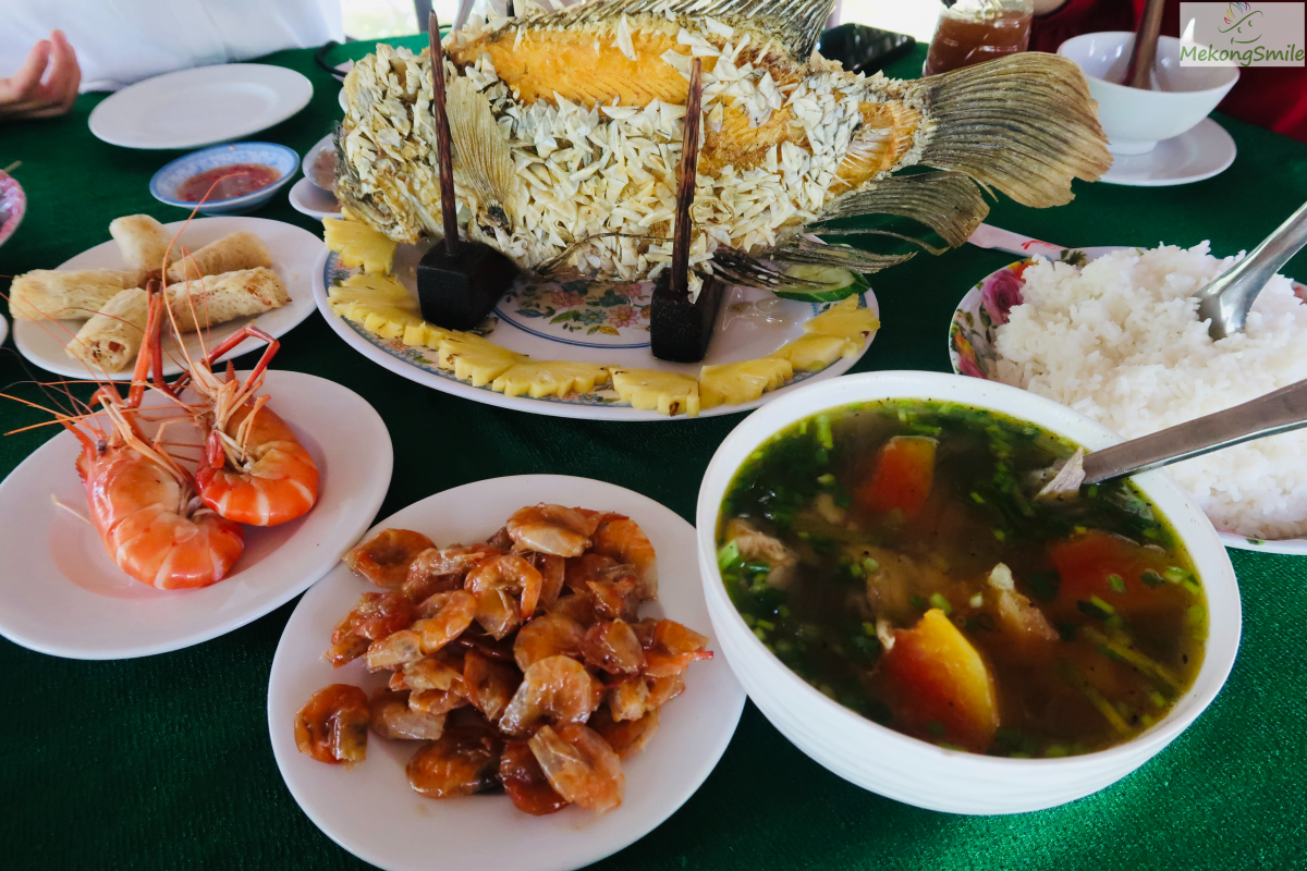 Authentic Vietnamese lunch meal in Ben Tre tour from Sai Gon