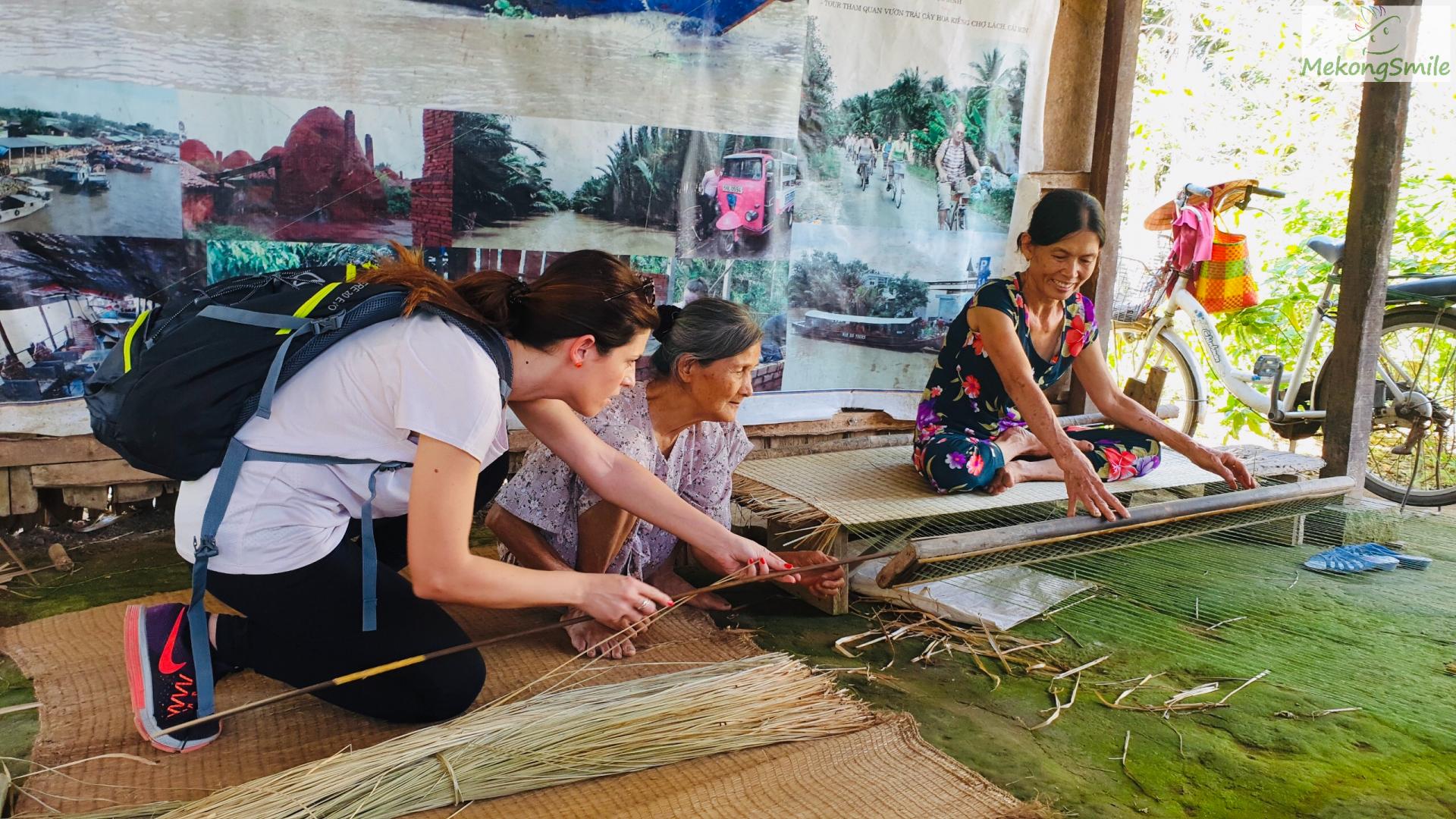 Try making a sleeping mat in a Mekong delta Ben Tre 1 day tour