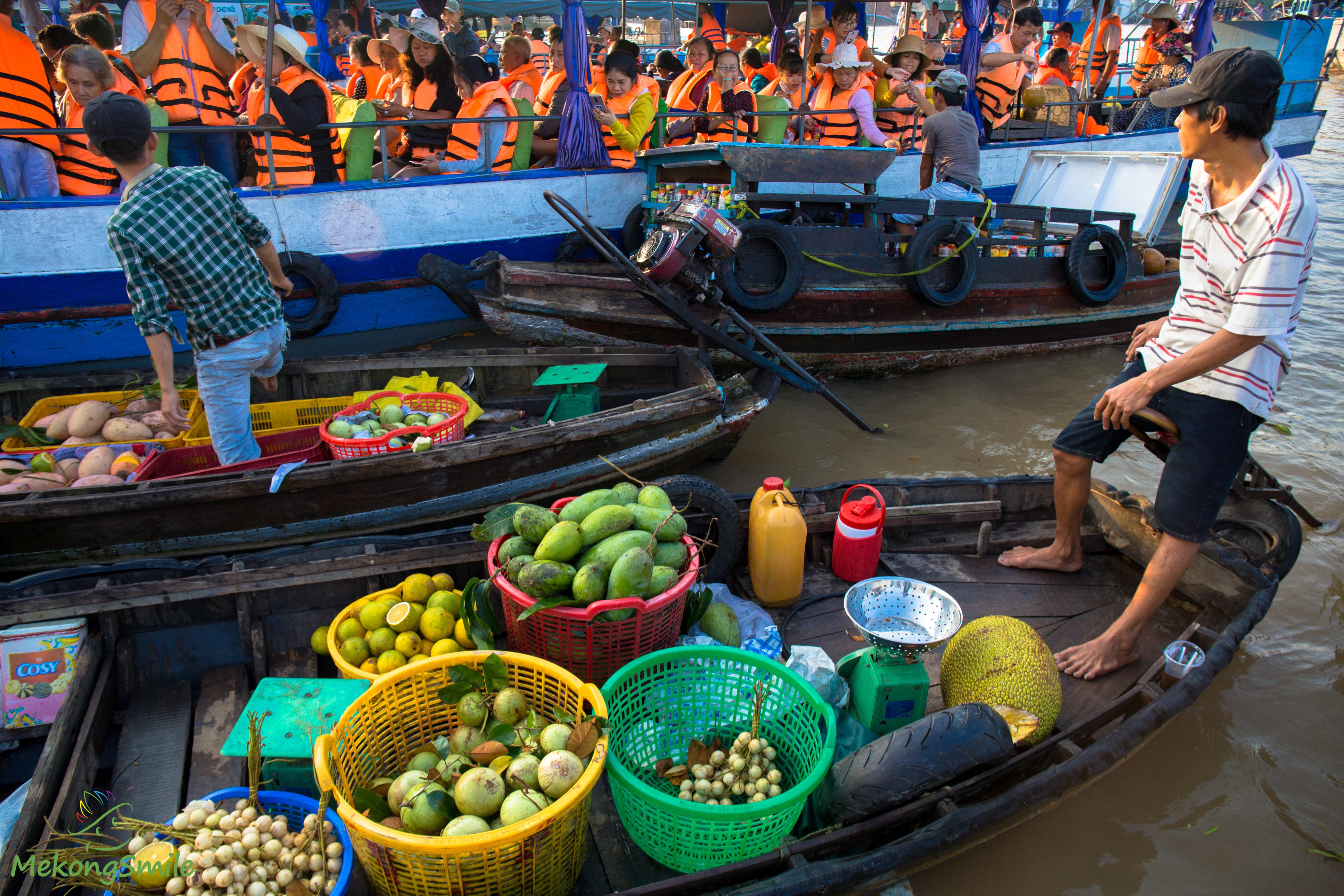Floating Market fruit boat