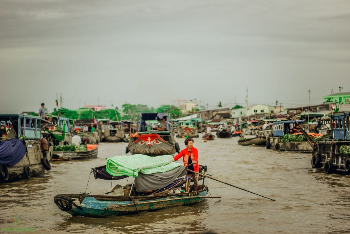small boat on the floating market