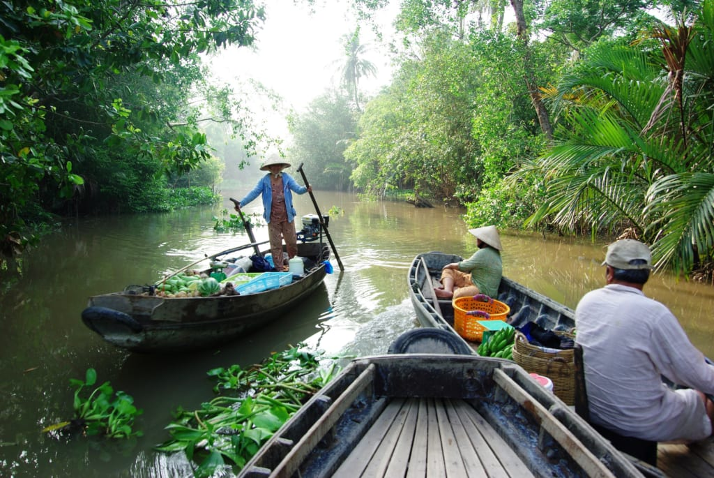 Daily life in small canals