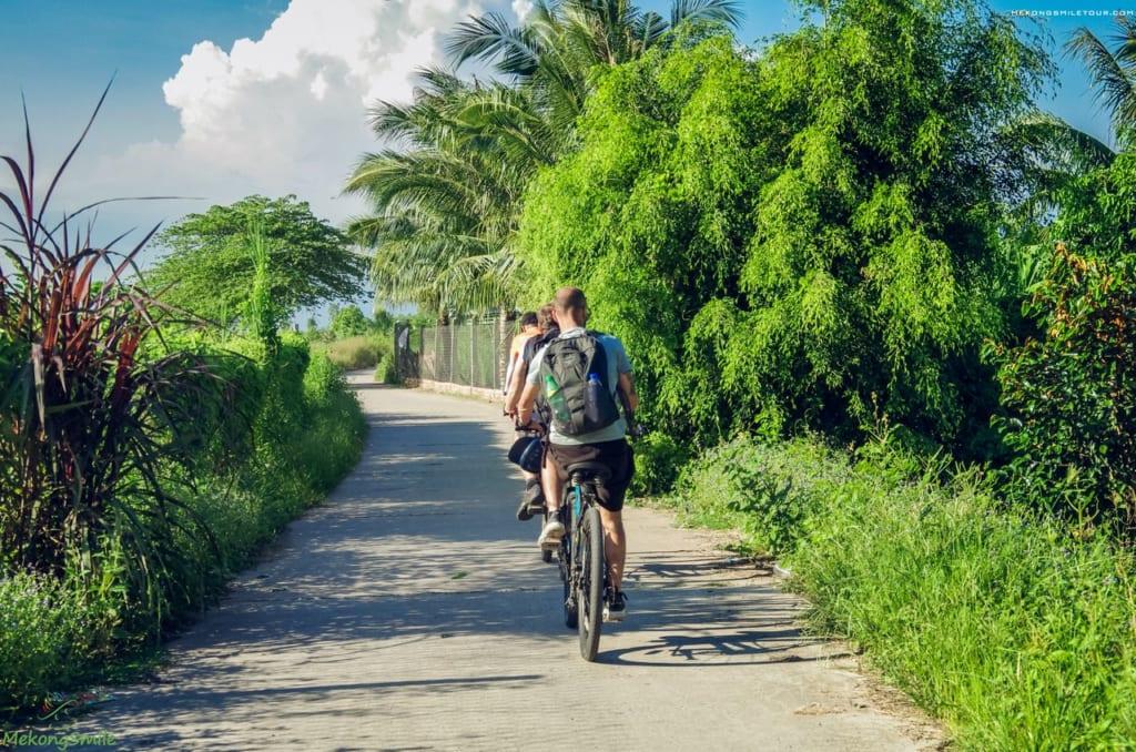 Mekong cycling tour