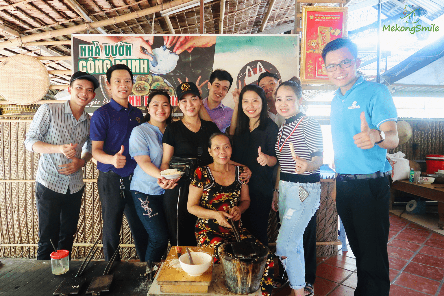 Try making traditional folk cakes with the local in Con Son island