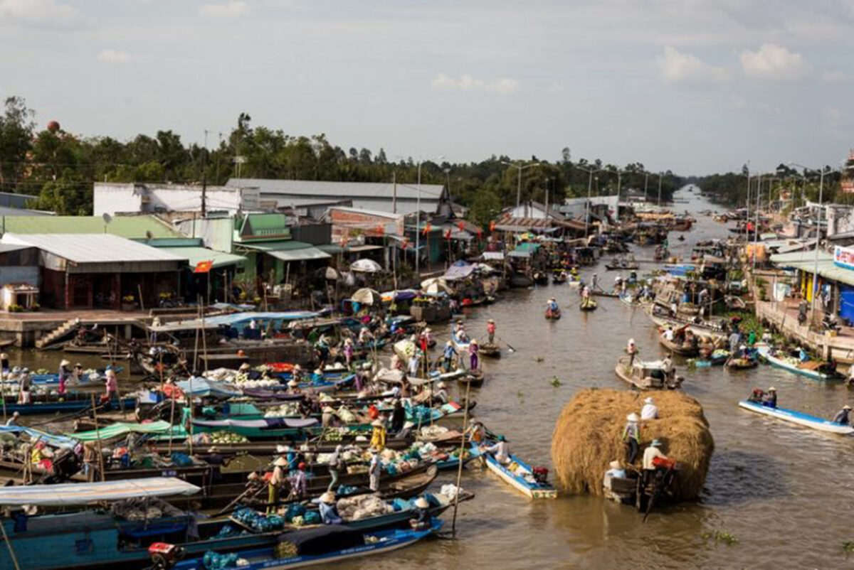 A different beauty of the Floating market
