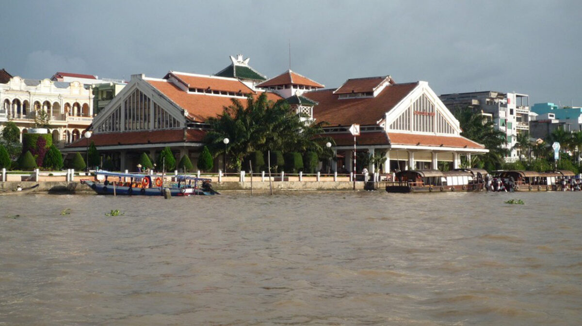 Ninh Kieu wharf in August