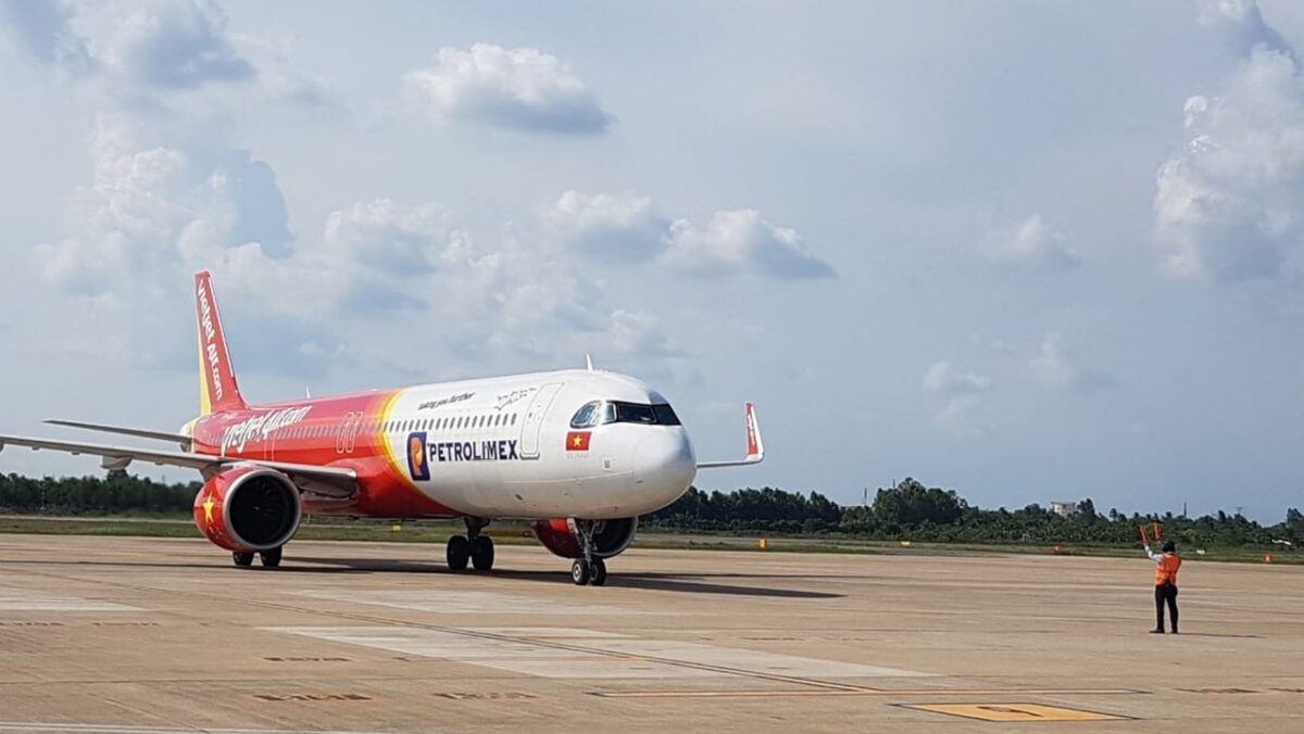 VietJet airline at Can Tho Airport