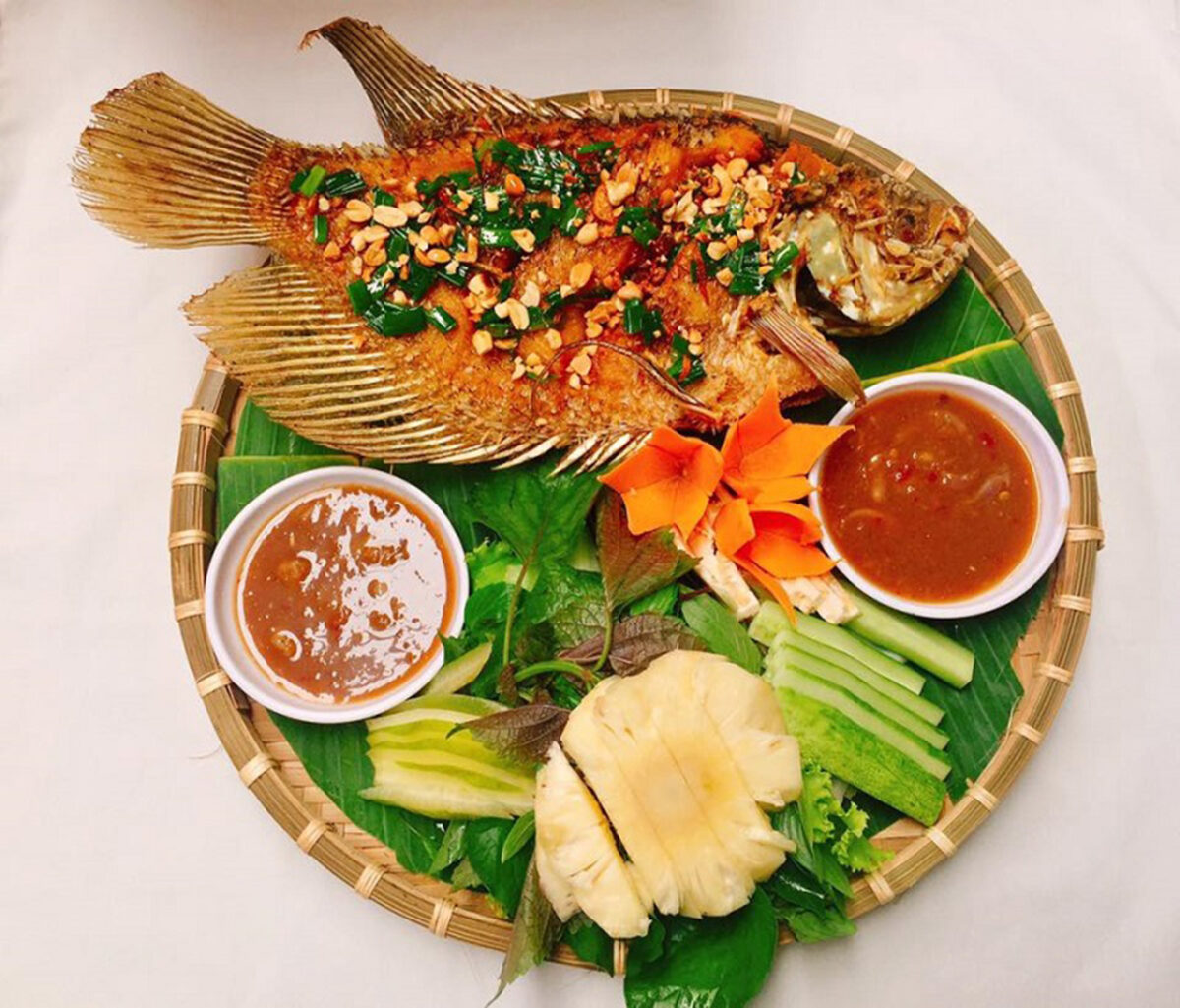 Deep-fried Gourami fish