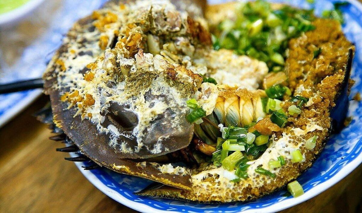 Grilled horseshoe crab with its eggs in Go Cong, Tien Giang