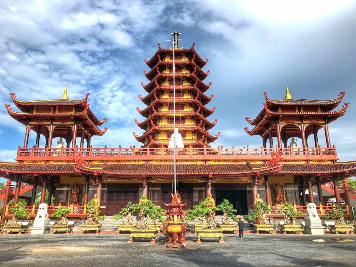 The unique architecture of the Jade Buddha Temple of Vinh Long