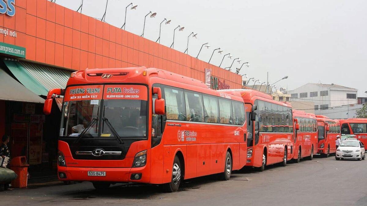 Phuong Trang bus at the bus station