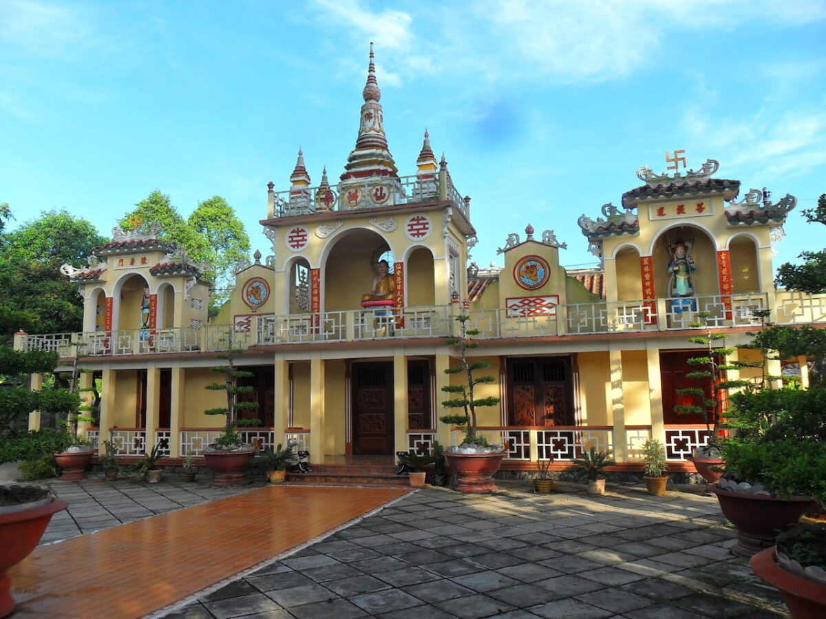 Tien Chau Pagoda - The oldest pagoda in Vinh Long