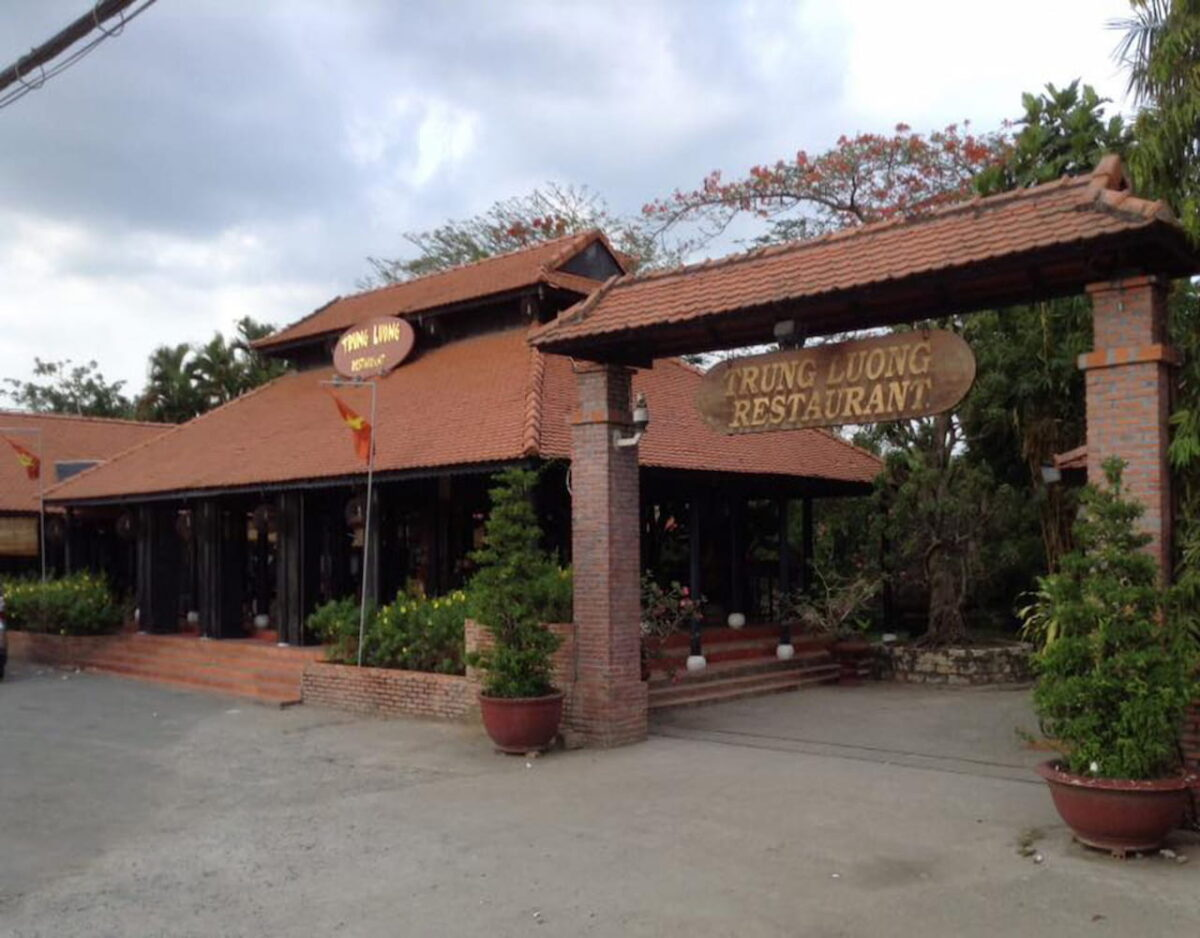 Trung Luong restaurant entrance in My Tho, Tien Giang