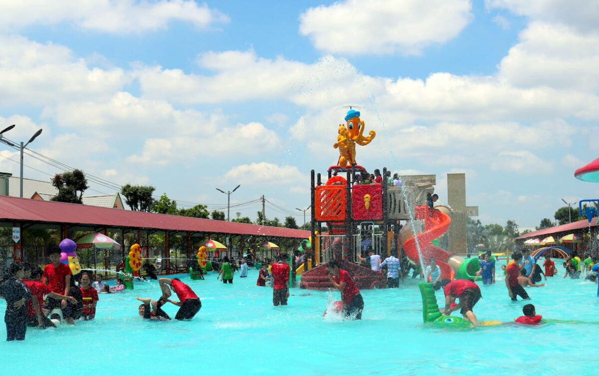 Water park in Truong Huy tourist area