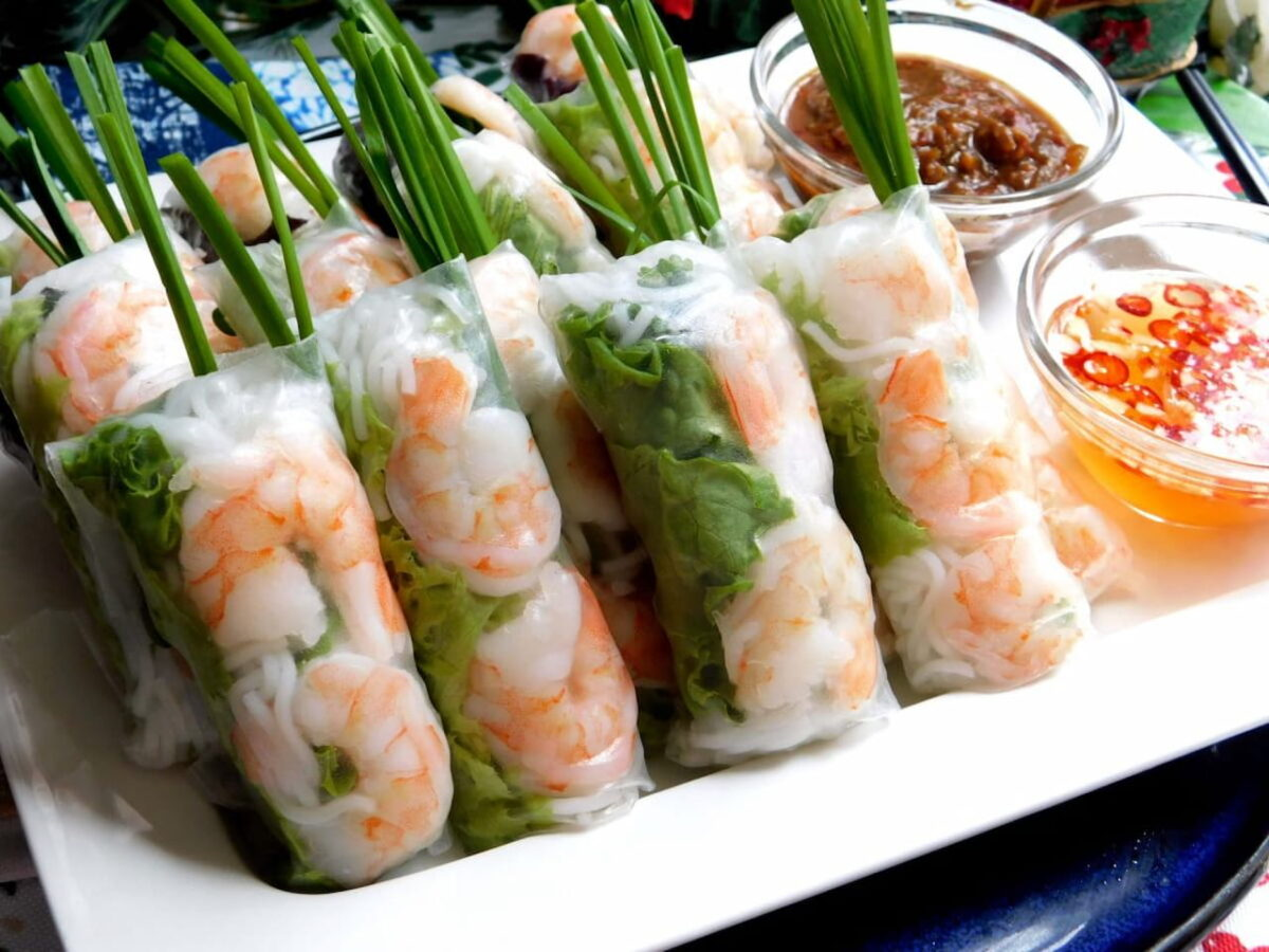 Boiled shrimp rolled with rice paper in Ngoc Hiep seafood restaurant