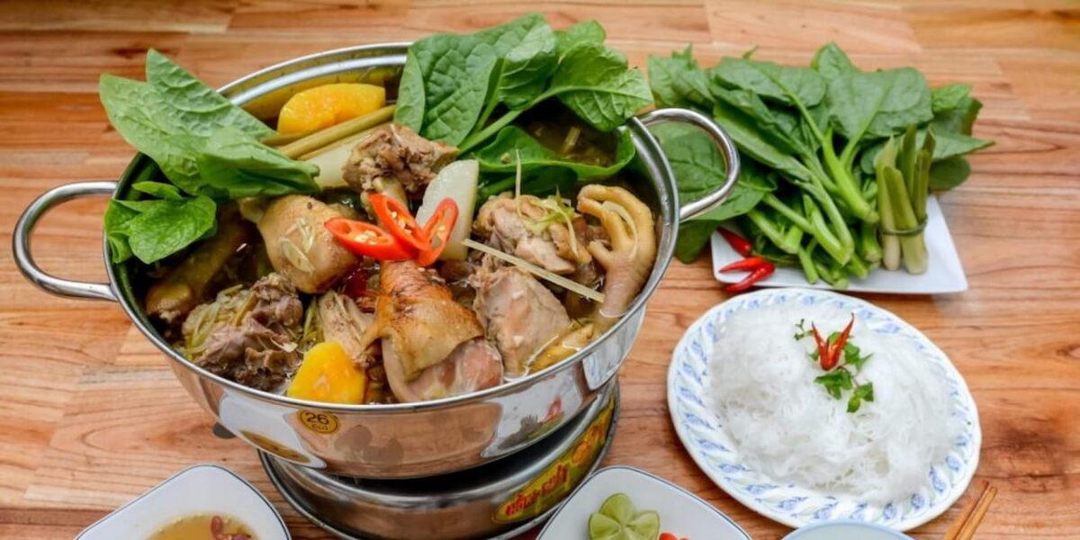 Chicken hot pot in Ben Dua restaurant